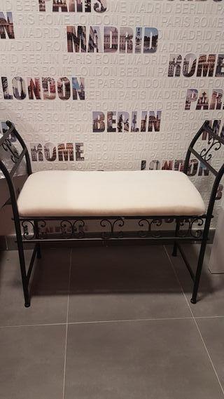 sillón de forja para pies de cama