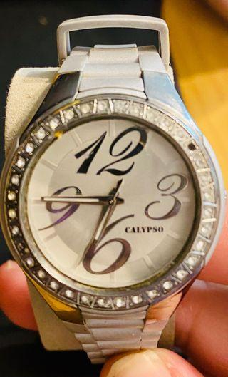 Reloj Calypso(Festina) urbano en gris y plateado
