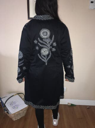 Abrigo de tela tipo asiático