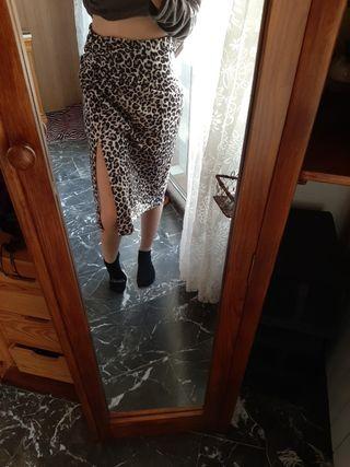 falda pull and bear leopardo con etiqueta