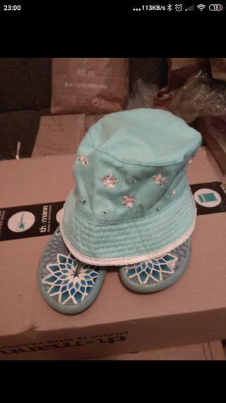 sombrero + chanclas
