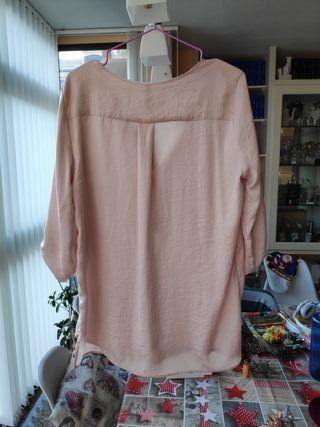 Camisa rosa claro de Stradivarius