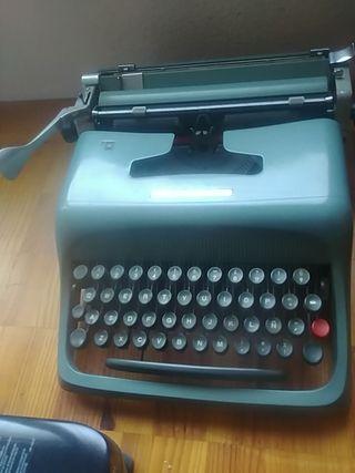 Maquina escribir Olivetti studio 44