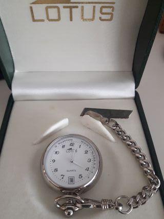 Reloj Lotus enfermera