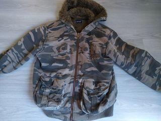 chaqueta de abrigo con capucha de la marca schott