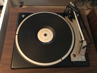 Tocadiscos y amplificador años 80