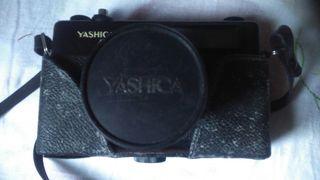cámara de fotos reflex Yashica
