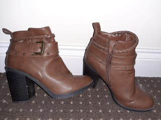Heeled boots from New Look Size UK 6