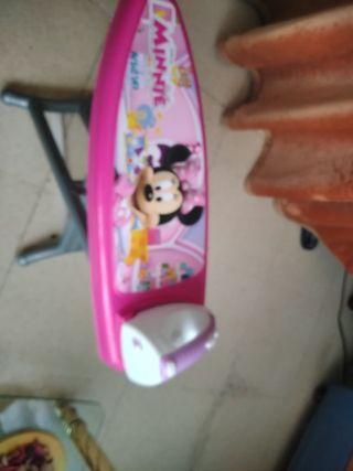 películas y accesorios infantiles