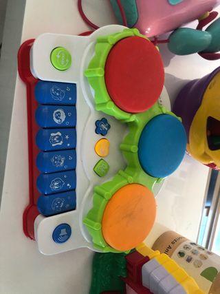 Piano infantil musical .los tambores se iluminan