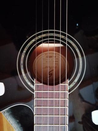 guitarra color negro nueva