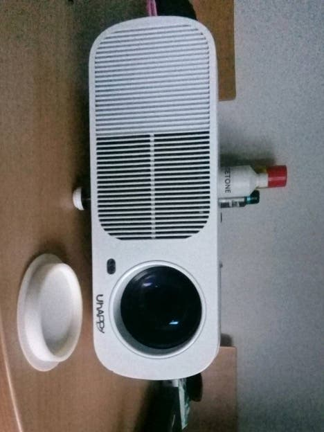 projector uhappy