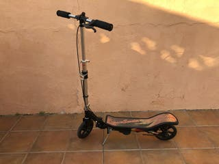 Monopatín Space Scooter