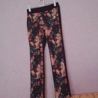 Pantalones estampado flores
