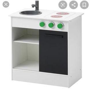 cocina de madera de Ikea más accesorios