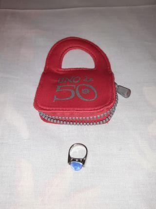 anillo azul. uno de 50