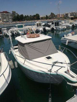 Barco a motor ocqueteau 540