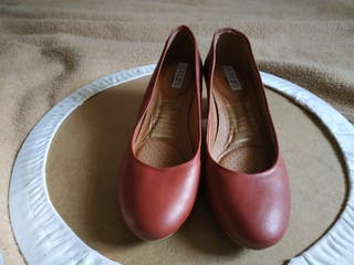 zapatos tacón bajo granate talla 36