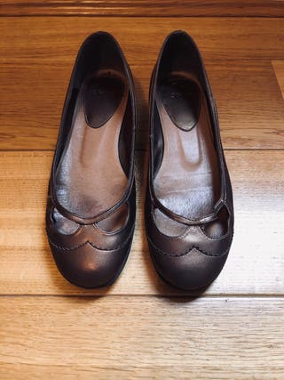 Pull & Bear Golden Ballerinas Size 6 / 39