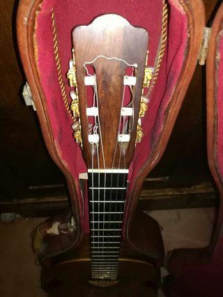 guitarra antigua