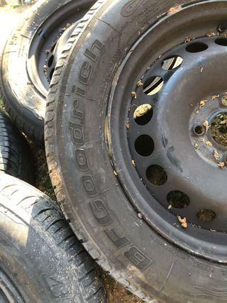 Llantas y neumáticos Renault