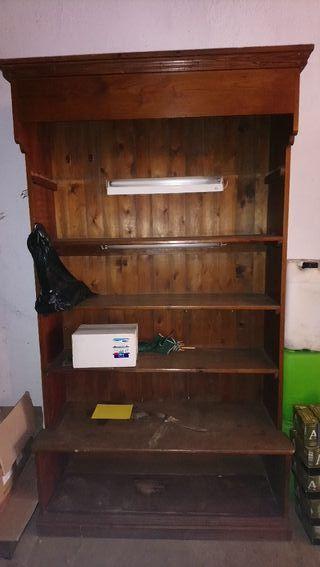 Antiguo mueble ropero
