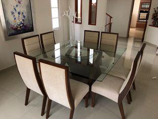 Mesa de comedor 1,60X1,60 y 8 sillas