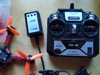 dron de carreras listo para volar