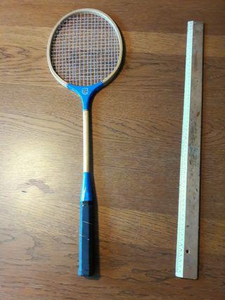 Antigua raqueta de madera vintage muy bonita