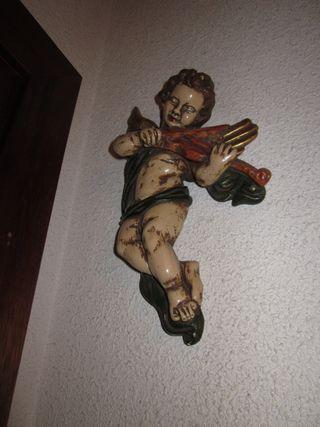 ESCULTURA. Angel con violín.