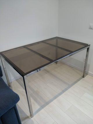 Mesa IKEA Torsby 135 x 85 x 75. Como nueva.