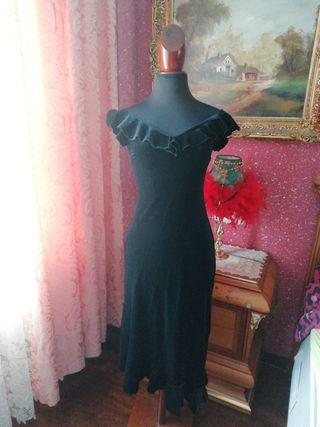 Vestido talla M negro terciopelo volantes