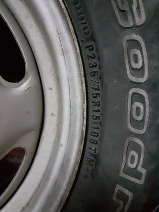 llantas y neumáticos 4x4