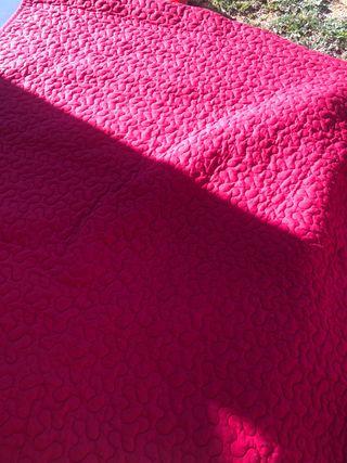 Colcha 180x260 cm nueva color rojo
