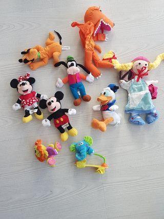 peluches Disney y marionetas