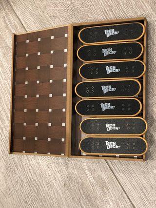 Pack finger skate