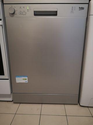 lave vaisselle beko LVP62S2