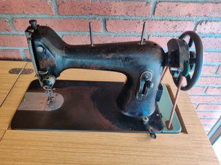 Maquina de Coser Calidad 705