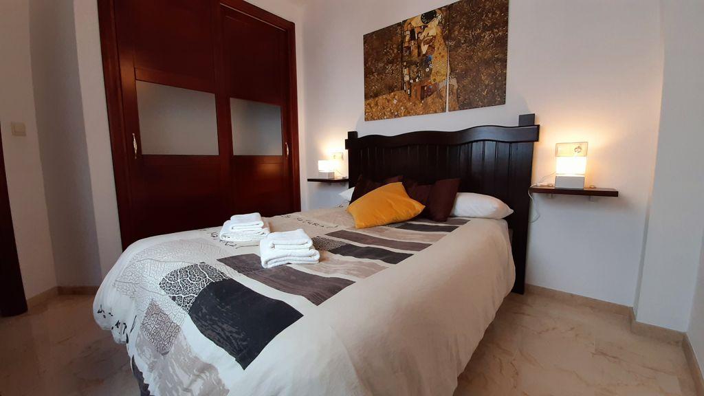 Apartamento céntrico con Parking y Wifi. Por días. (Ronda, Málaga)