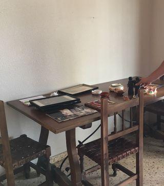 Mesa madera y hierro retro y 8 sillas!!! GANGA!!!