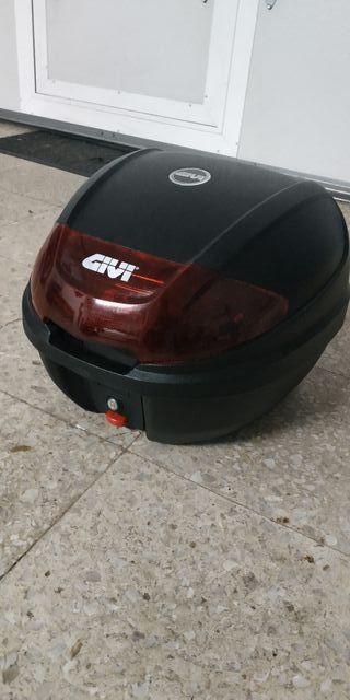 Baúl moto Givi