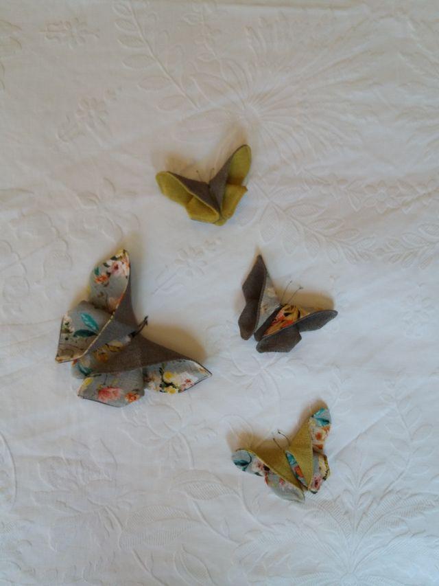 Mariposa de tela artesanal