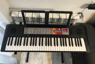 Piano Yamaha PSR-F51