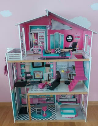 Casa muñecas KIDKRAFT escala tipo Barbie