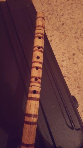 Oboe natural antiguo.