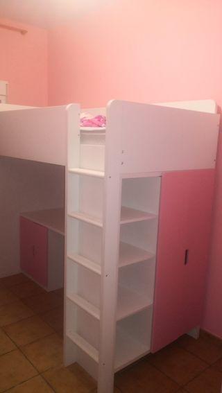 dormitorio de niña con cama litera