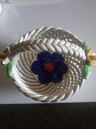 Cesta de cerámica