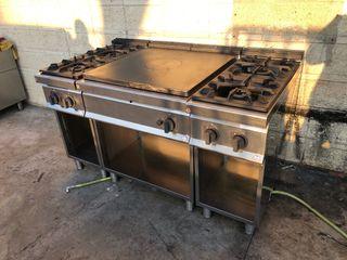 Cocina con placa radiante coup de feu 4 fuegos