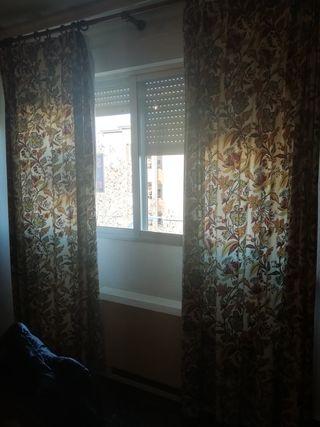 3 cortinas dobles con rieles de madera
