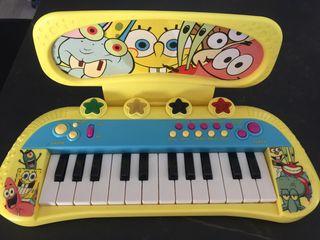 Órgano musical de juguete